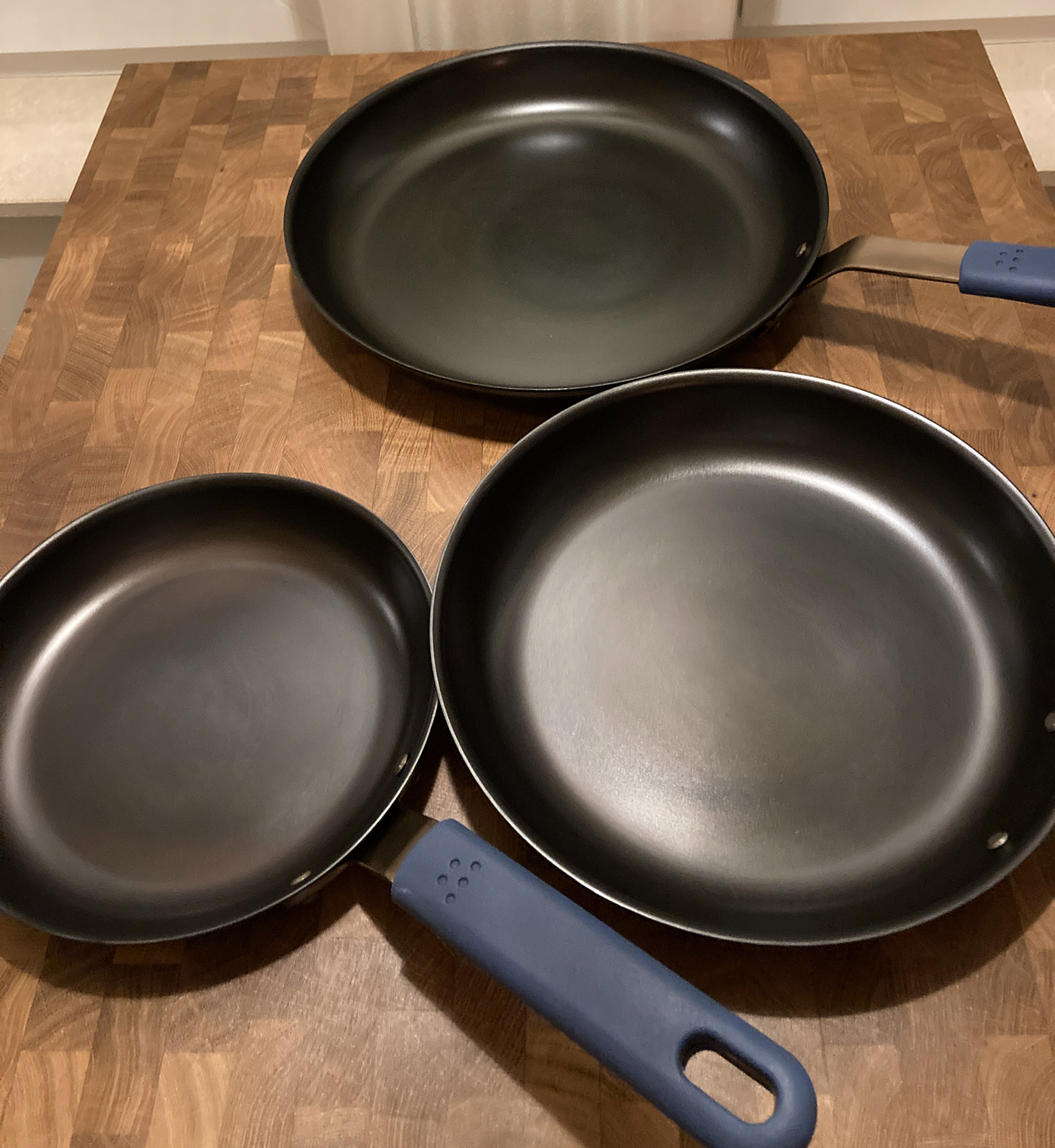 The Misen Carbon Steel Pan seasoned